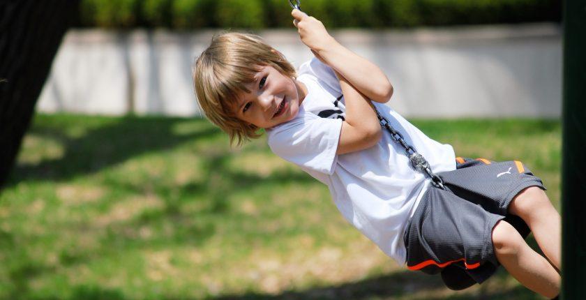 enfant développement motricité globale